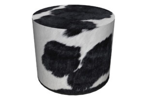 RASIL, https://konsimo.pl/kolekcja/rasil/ Okrągły puf w biało-czarne łaty biały/czarny - zdjęcie