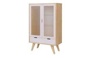 MONTI, https://konsimo.pl/kolekcja/monti/ Witryna szklana z szufladą w skandynawskim stylu biała / naturalna dąb/biały - zdjęcie