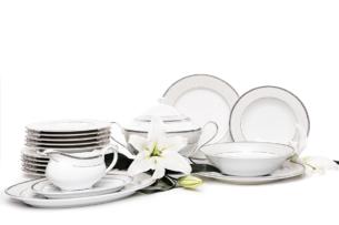 MARTHA PLATIN, https://konsimo.pl/kolekcja/martha-platin/ Serwis obiadowy polska porcelana 6 os. 24 elementy biały / platynowy wzór Platin - zdjęcie