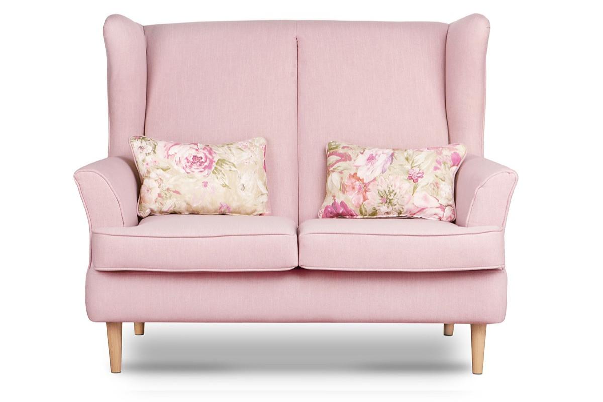 Skandynawska sofa dwuosobowa pudrowy róż na nóżkach