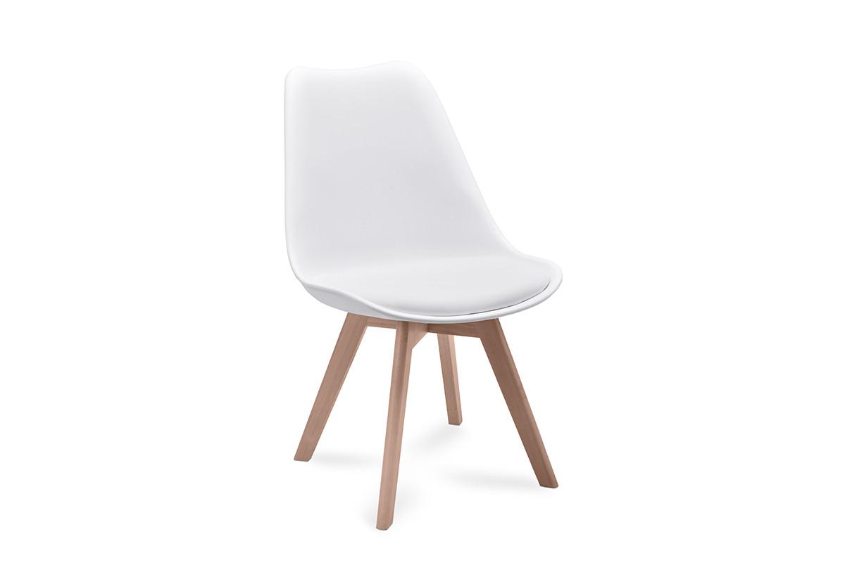 Proste plastikowe krzesło na drewnianym stelażu białe