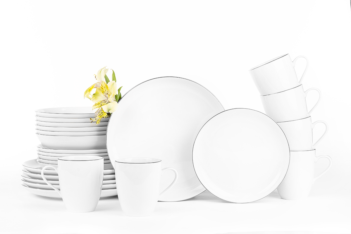 Serwis obiadowo-kawowy polska porcelana 6 os. 30 elementów Biały / platynowy rant